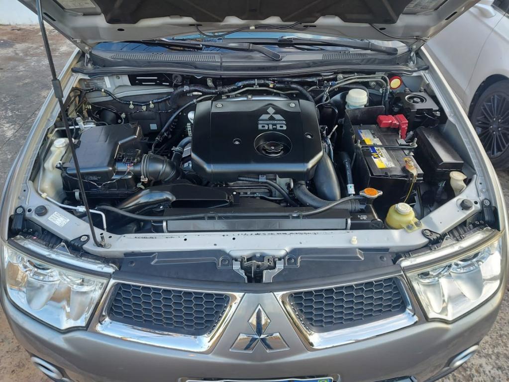 MITSUBISHI L 200 Triton 3.2 16V HPE 4X4 CABINE DUPLA TURBO DIESEL INTERCOOLER AUTOMÁTICO, Foto 12