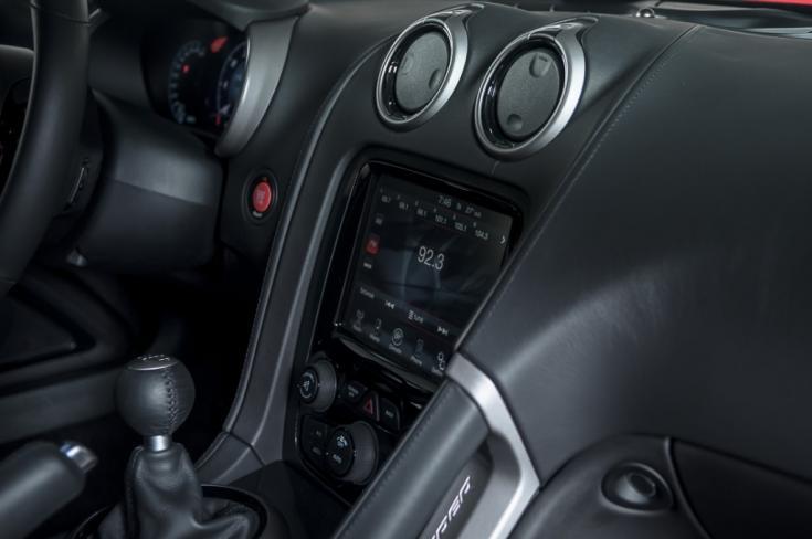 DODGE Viper 8.4 V10 SRT-10, Foto 10