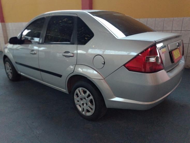 FORD Fiesta Sedan 1.6 4P ROCAM FLEX, Foto 3