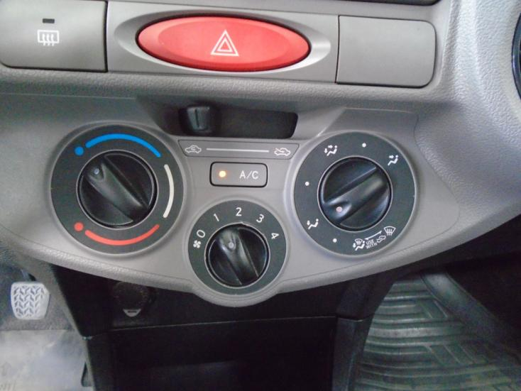 TOYOTA Etios Hatch 1.3 16V 4P FLEX XS, Foto 17