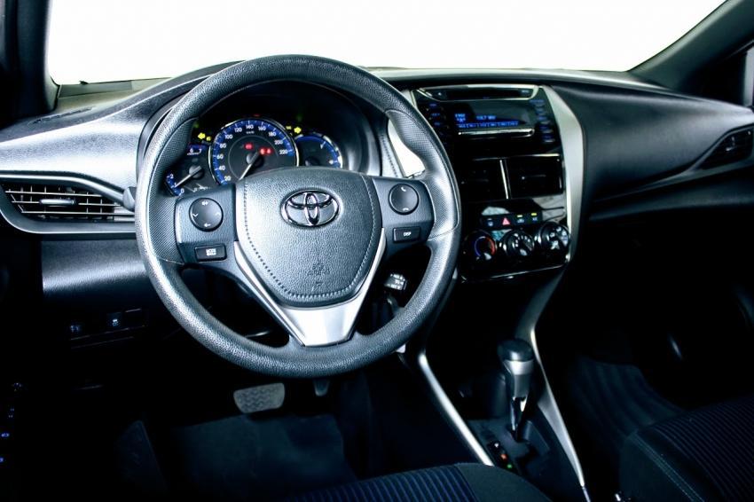 TOYOTA Yaris Hatch 1.3 16V 4P FLEX XL MULTIDRIVE AUTOMÁTICO CVT, Foto 7