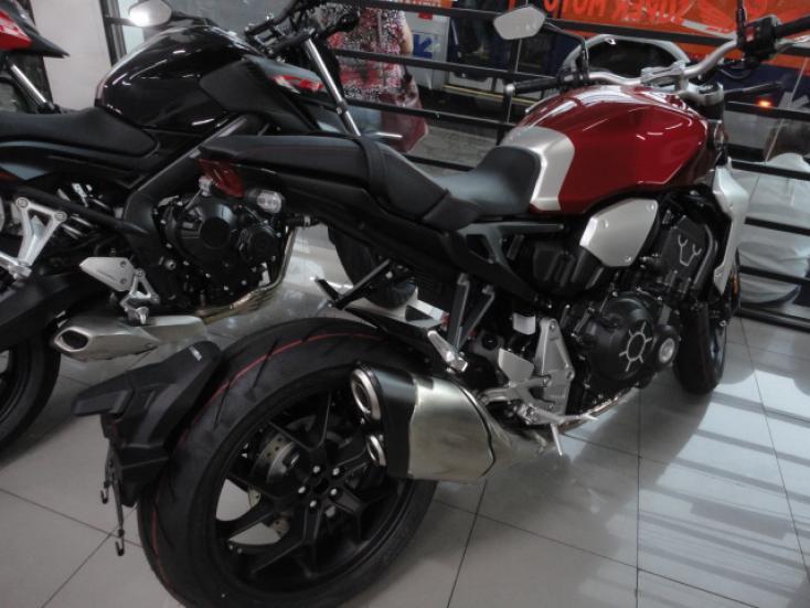 HONDA CB 1000 R ABS, Foto 4