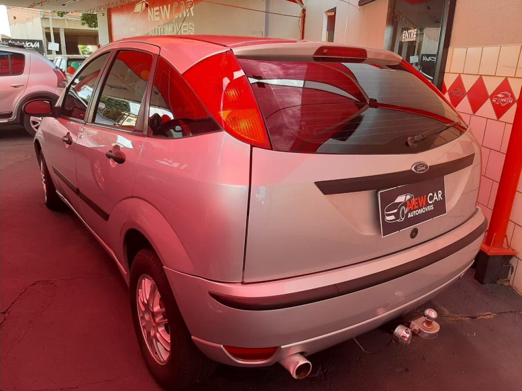 FORD Focus Hatch 1.6 4P GLX, Foto 4