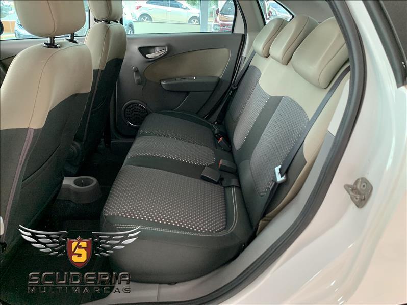 FIAT Grand Siena 1.6 16V 4P FLEX ESSENCE DUALOGIC AUTOMATIZADO, Foto 7