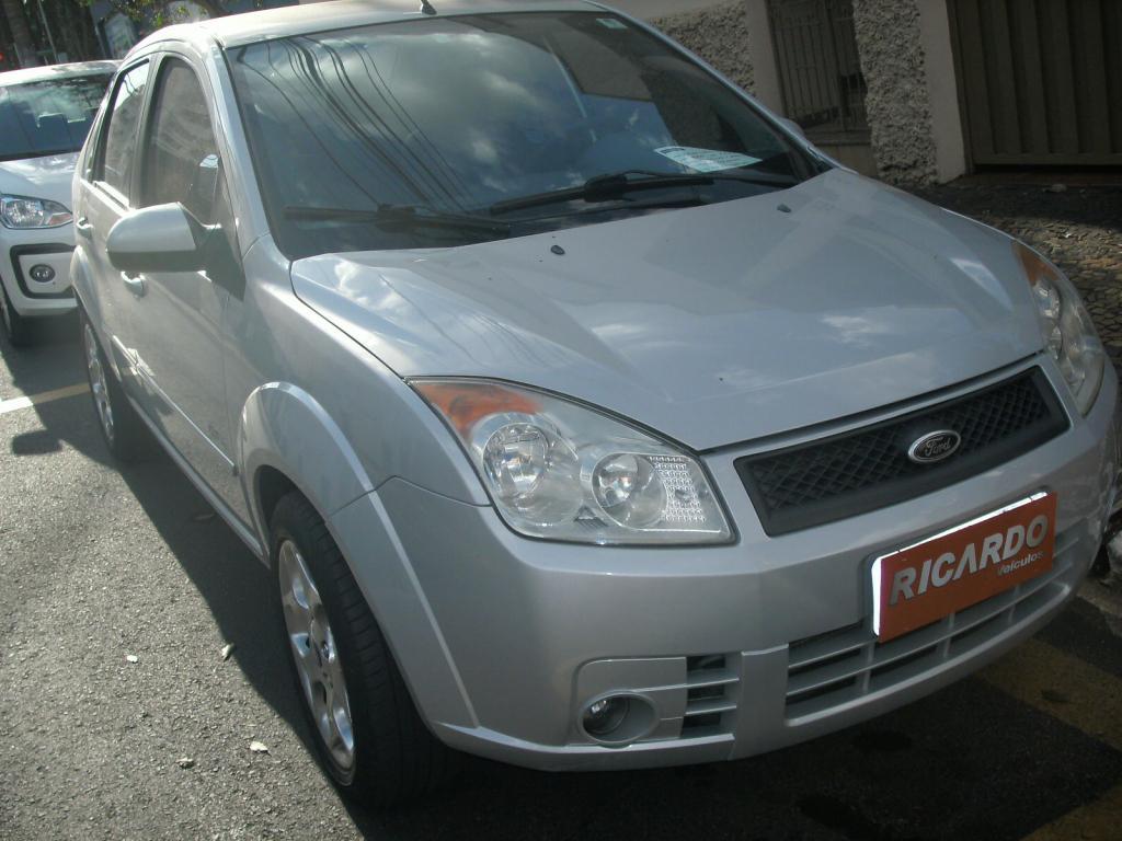 FORD Fiesta Sedan 1.6 4P ROCAM FLEX, Foto 1