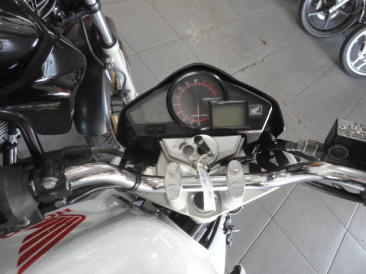 HONDA CB 300 R, Foto 3