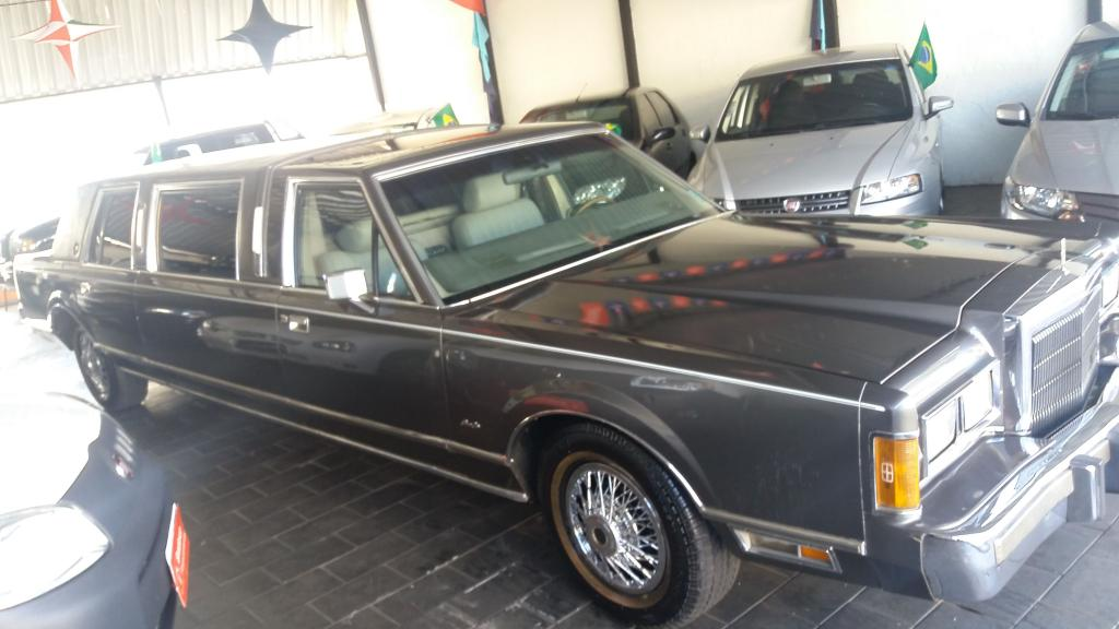 FORD LINCOLN 5.0 V8 LIMOUSINE