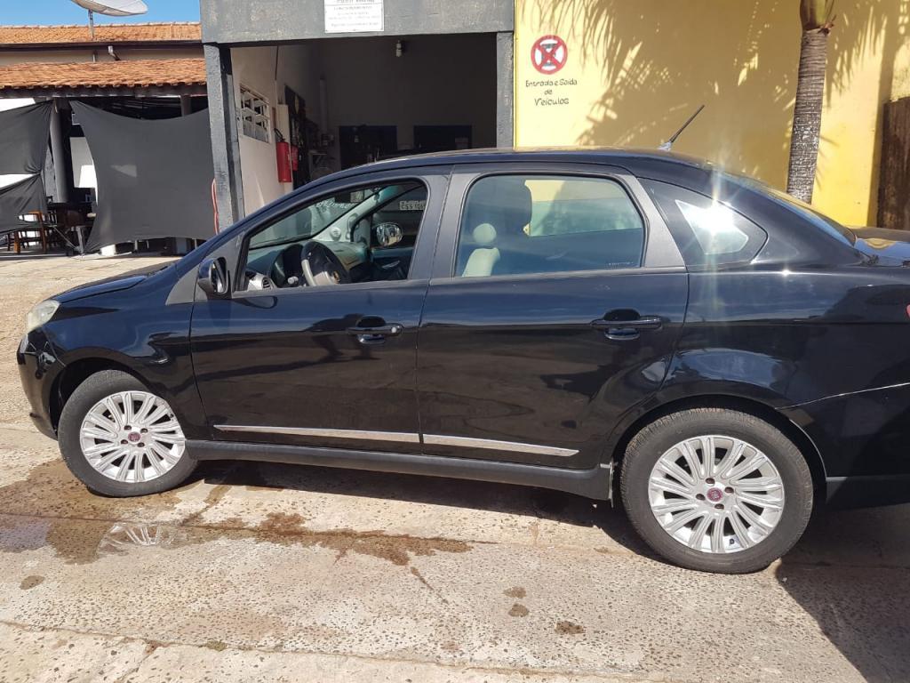 FIAT Grand Siena 1.6 16V 4P ESSENCE FLEX, Foto 1