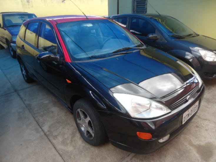 FORD Focus Hatch 1.8 16V 4P, Foto 2
