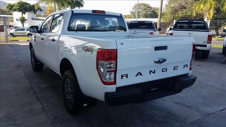 FORD Ranger 2.2 16V XLS DIESEL CABINE DUPLA 4X4 AUTOMÁTICO, Foto 2