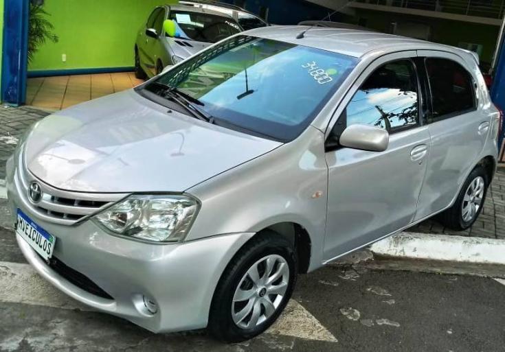 TOYOTA Etios Hatch 1.3 16V 4P FLEX XS, Foto 2