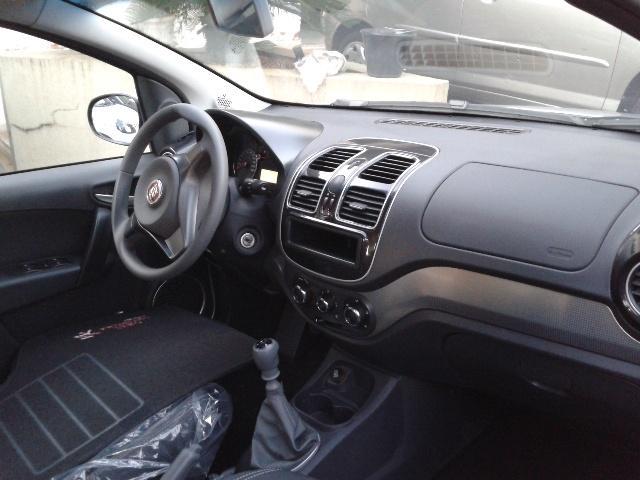 FIAT Grand Siena 1.4 4P EVO ATRACTIVE FLEX, Foto 2