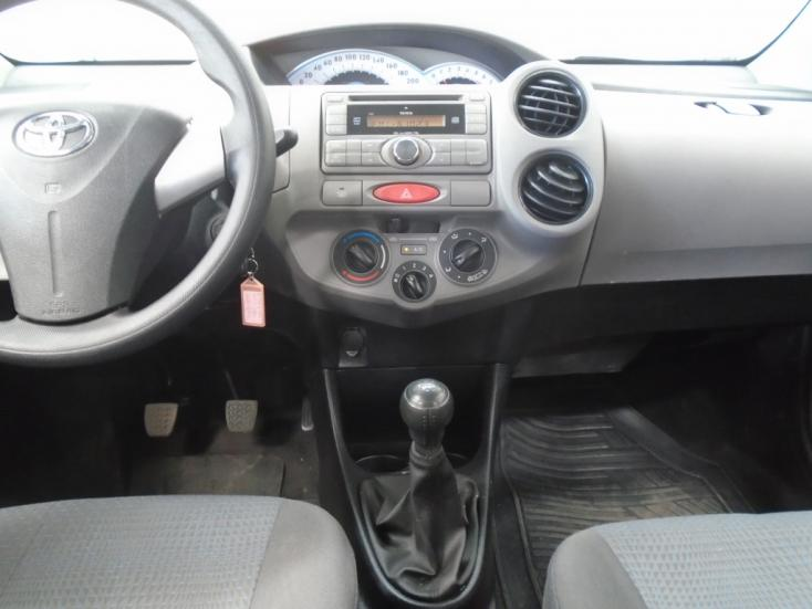 TOYOTA Etios Hatch 1.3 16V 4P FLEX XS, Foto 12