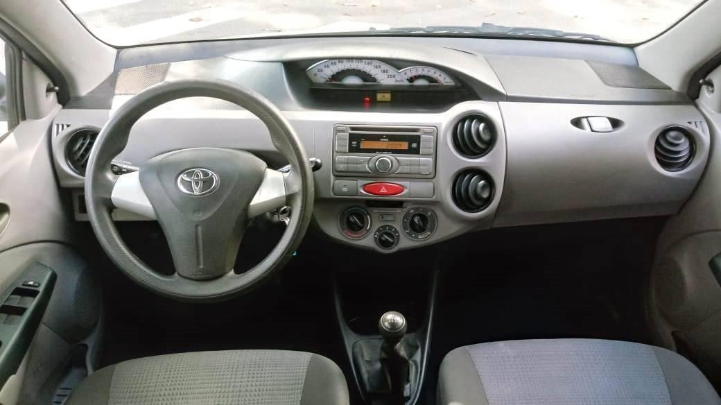 TOYOTA Etios Hatch 1.3 16V 4P FLEX XS, Foto 5