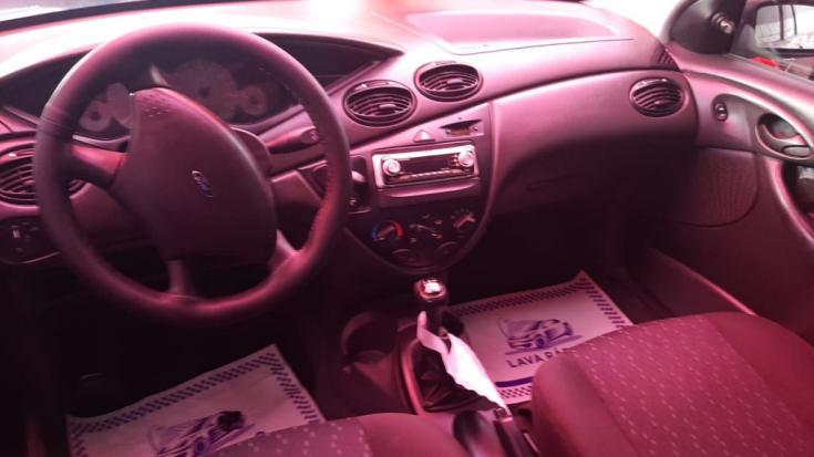 FORD Focus Hatch 1.6 4P GLX, Foto 3